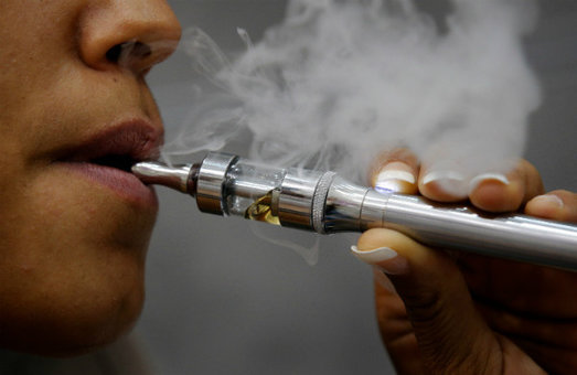 El cigarrillo electrónico y su relación con la salud bucodental