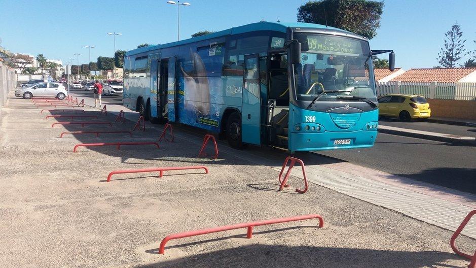 Bussit - Gran Canarian bussifirmat lopettavat käteisen vastaanoton reiteillään