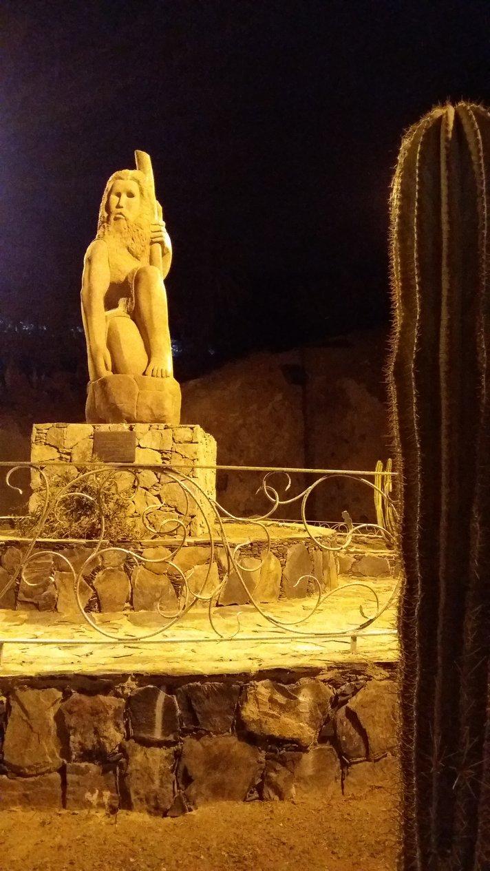 Nähtävyyksiä – El Pajar: Luolamies<br />
