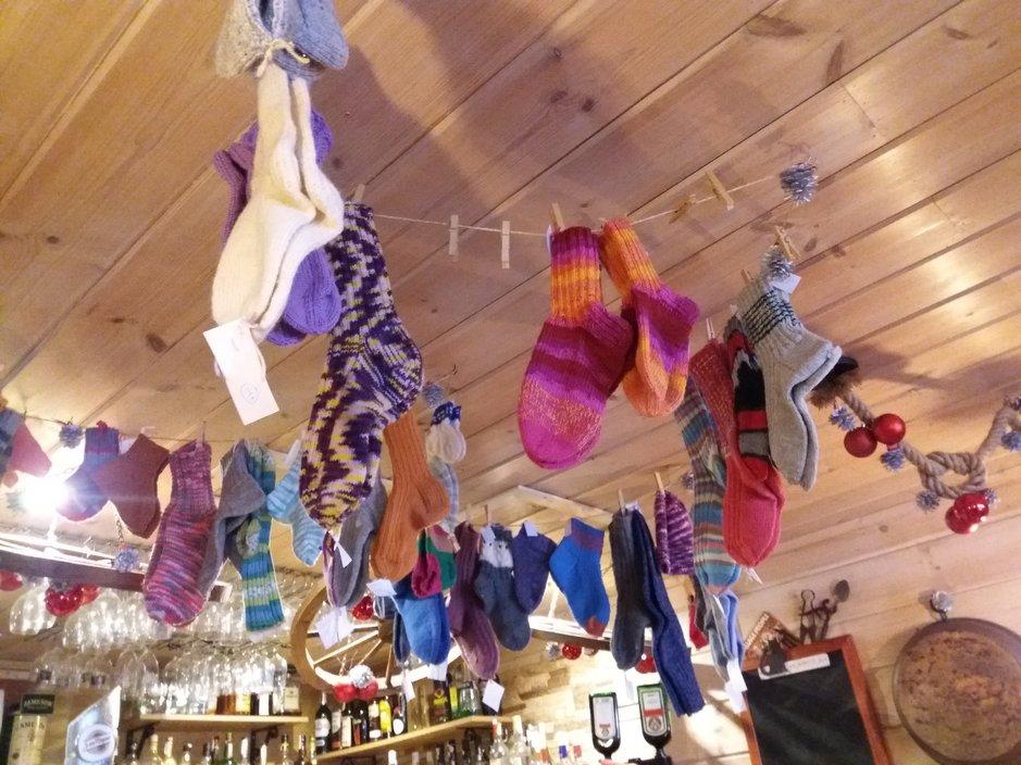 Inglesissä villasukkia voi ostaa Mummolasta.