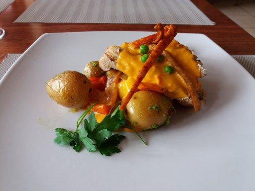 Kanaa lounaaksi Kuparipannun ja Tonin tyyliin.