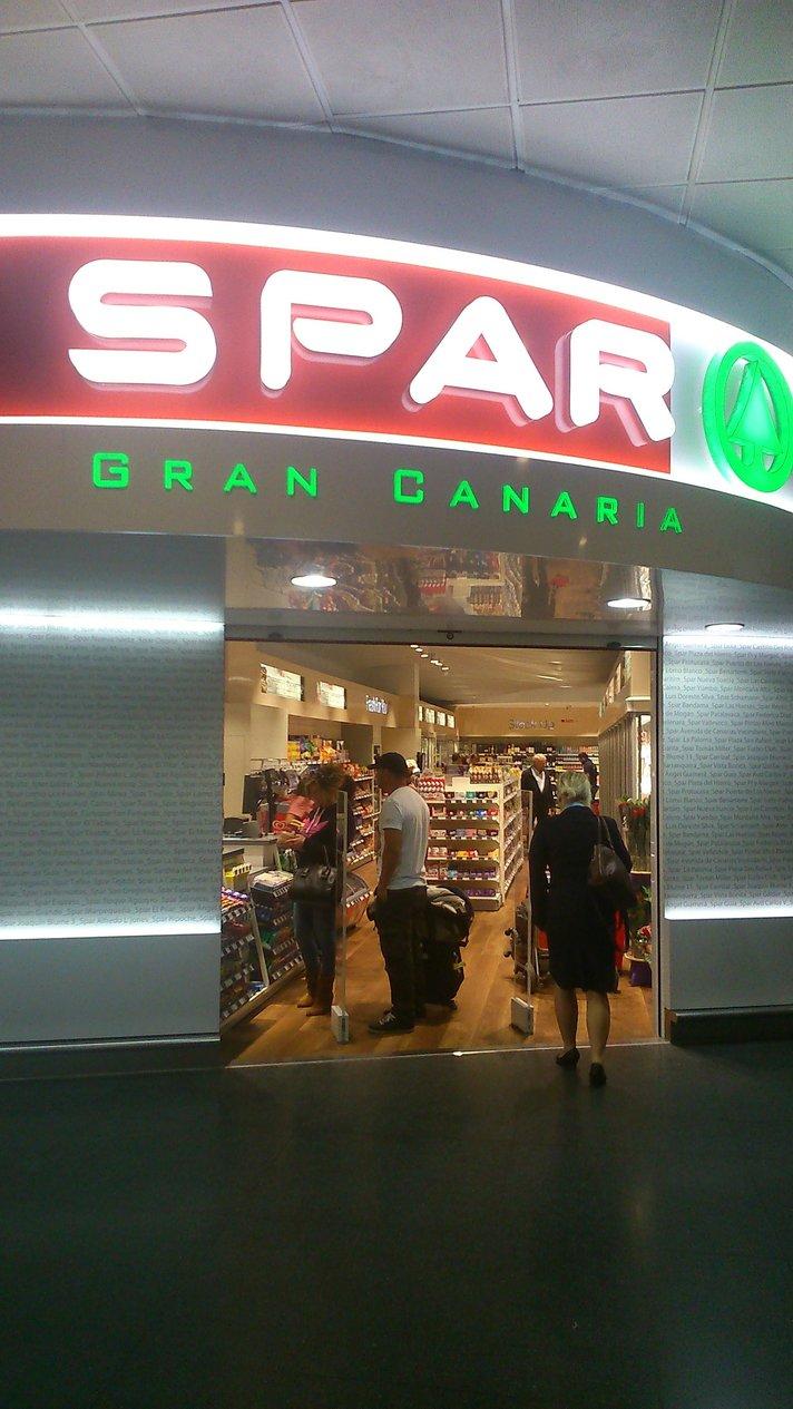 Uusi SPAR Gran Canaria -kauppa avattiin Las Palmasin lentoaseman kaikille avoimiin tiloihin