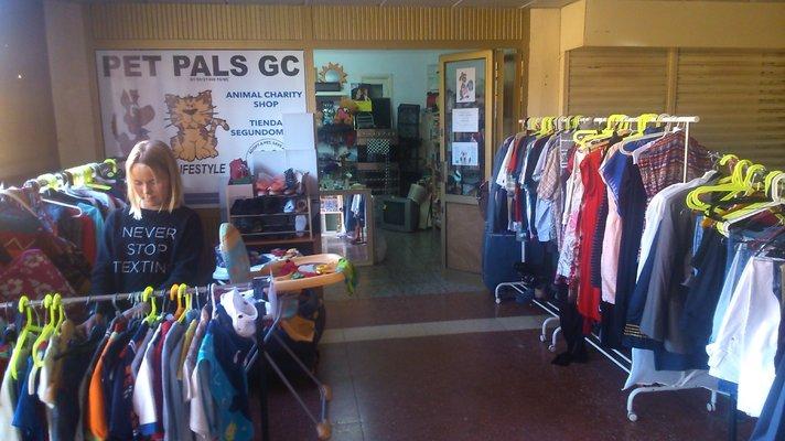 Ostovinkkejä - Pet Pals GC -myymäläntuotoilla autetaan eläimiä