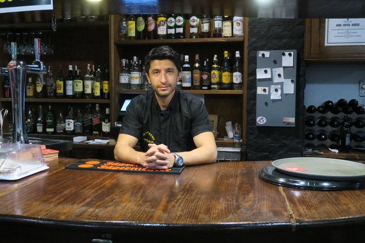 Henkilöt - Las Palmasin Bar San Remon Kawa