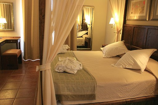 Mainekas Parador de Tejeda -hotelli sijaitsee 1509 metrin korkeudella, 15 kilometrin päässä Playa del Inglésistä.