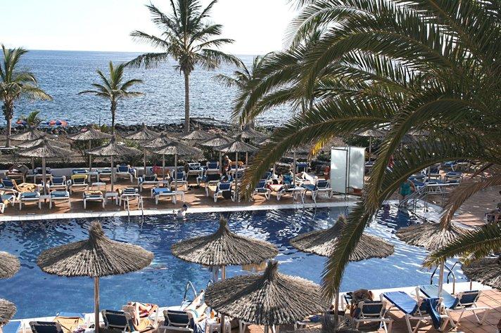 Matkailu - Turistit käyttivät Espanjassa 16% enemmän rahaa