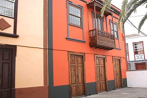 Kanarian saarilla keskiverto neliöhinta on 1474 euroa.