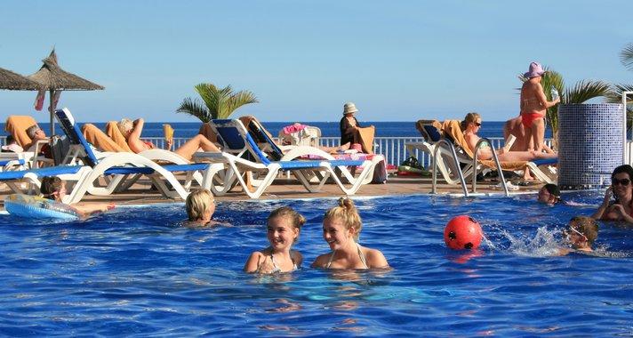 Lanzaroten hotellit odottavat huippuvuotta