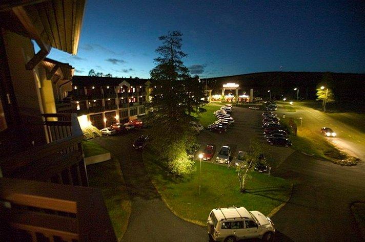 Hotellit - Suomalaiset yöpyvät useimmiten 4 tähden hotellissa