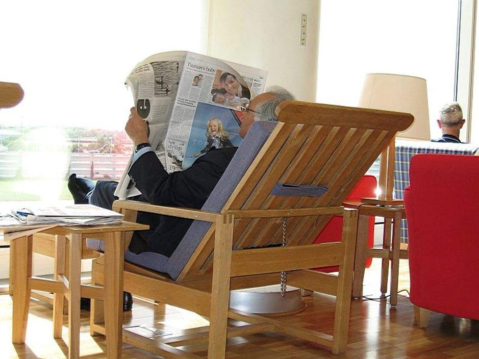 Vieraskielisiä sanomalehtiä ja aikakauslehtiä, myös suomalaisia, on runsaasti saatavilla eri turistikohteista.