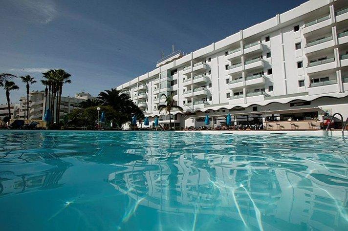 Hotellit - Suomalaisten mielestä lomahotellin sijainti tärkeämpi kuin hinta