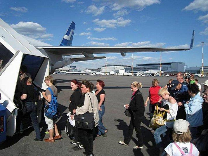 Monelta omatoimimatkailijalta jää matkustusilmoitus tekemättä