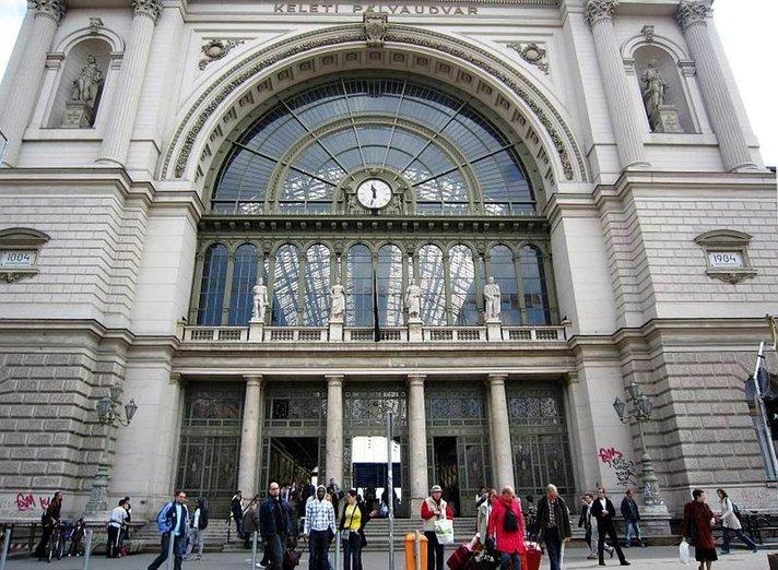Nettivälittäjä tutki, mitkä ovat Euroopan romanttisimmat rautatieasemat hyvästeille ja jälleennäkemisille