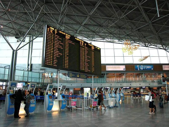 Lentoliikenteen työtaistelut voivat haitata kymmenien tuhansien matkoja ensi viikolla