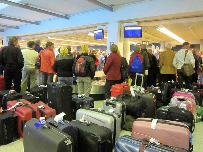 Suomen lentoasemille lisää bag drop -automaatteja