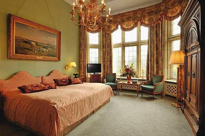 Hotellit - Viiden tähden hotelliöissä yli 400:n euron ero