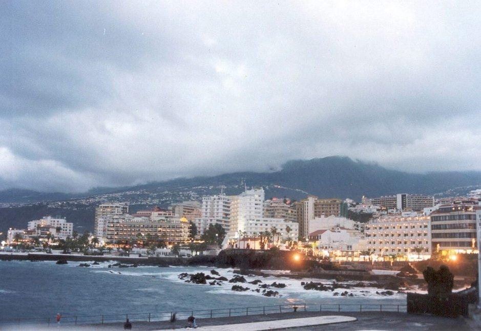 Teneriffa - Ranta- ja kaupunkilomaa Teneriffan Puerto de la Cruzissa