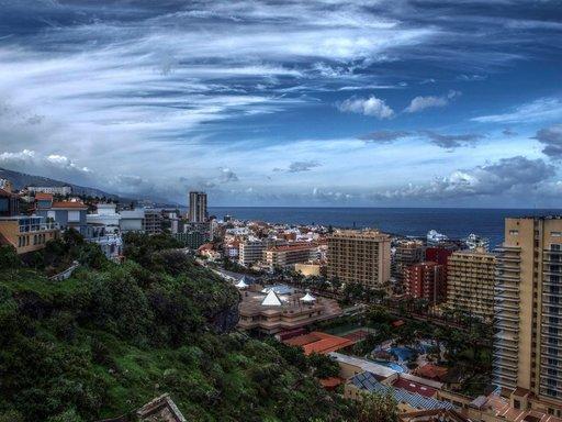 Teneriffa - Ranta- ja kaupunkilomaa Teneriffan Puerto de la Cruzissa Gran Canaria