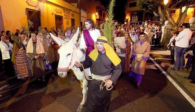 Juhlapäiviä - Espanjassa pääsiäistä viettävät kaikki <br />