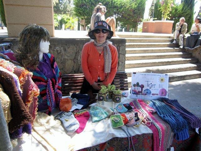 Suomalainen käsityötaituri mukana Gran Canarian neulontapäivillä