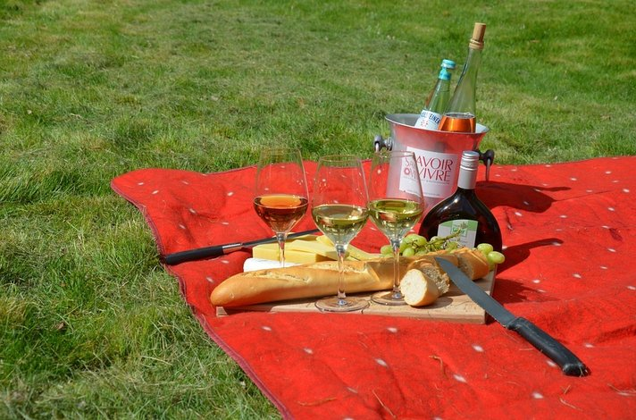 T&auml;nn&auml; klo 15 joulup&auml;iv&auml;n picknick<br /> puistossa Maspalomaksessa
