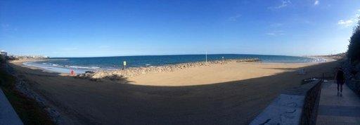 Gran Canaria on paljon muutakin kuin hotelleja ja ravintoloita. Esimerkiksi Atlantin rannat ovat mahtavat. Oli ihan parasta ensin juosta rannalla ja mennä sittensiitä lopuksi suoraan mereen!
