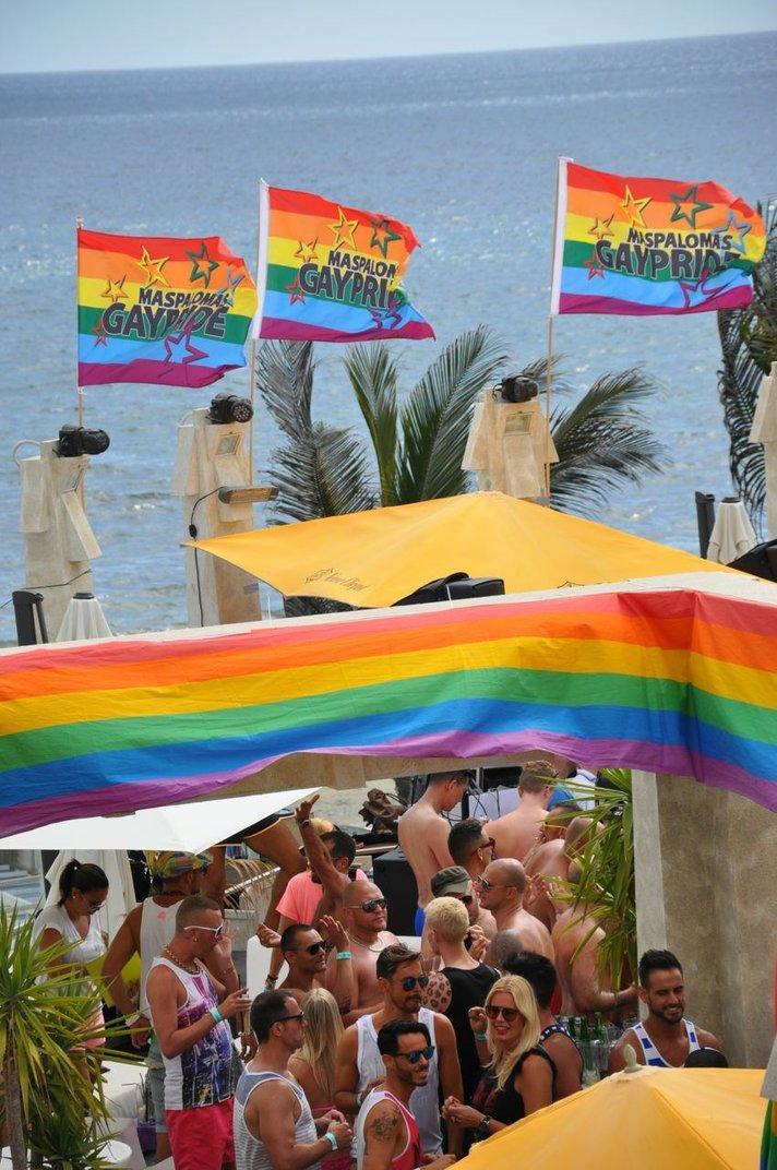 Gay Pride -tapahtuma näkyy ja kuuluu Maspalomaksessa