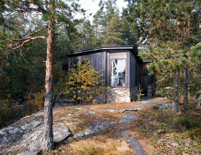 Villa Oksala. Alvar Aalto suunnitteli professori Päivö Oksalan perheen kesähuvilan Korpilahdelle Päijänteen saareen (1965–1966, 1974). Kuva: Jari Jetsonen.