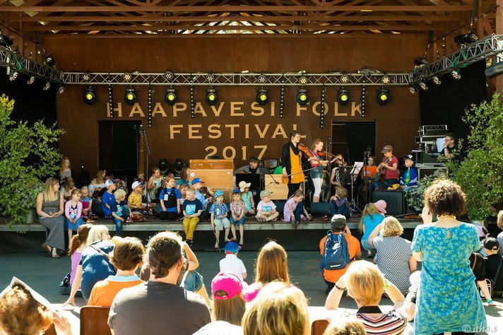 Haapavesi Folkilla<br /> n&auml;ytt&auml;v&auml;t 30-vuotisjuhlat