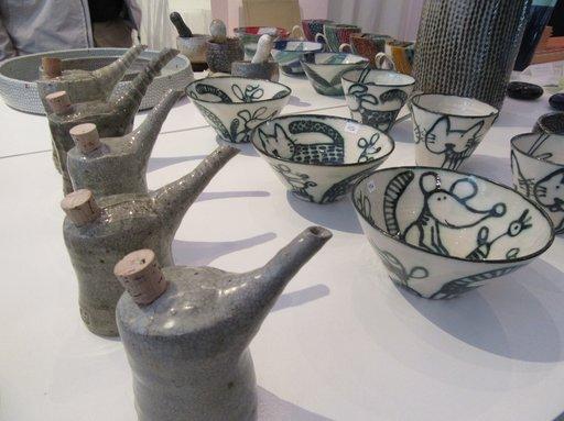 Keramiikkataitelijat ovat hyvin edustettuina osuuskunta ONOMAssa.