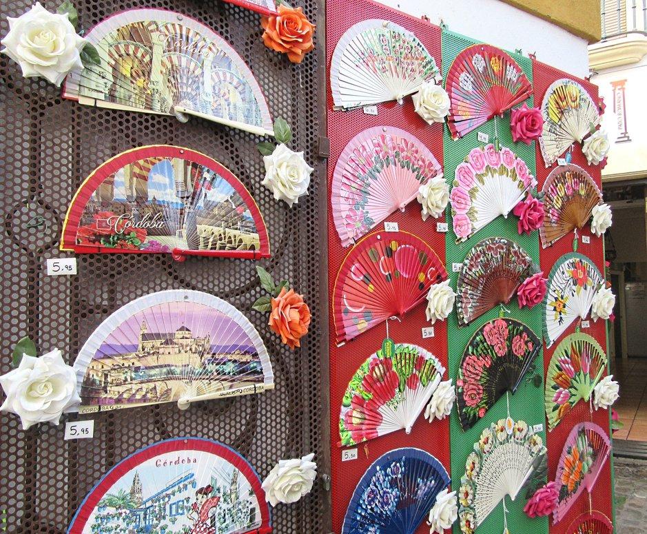 Viuhkat kertovat Cordoban monikulttuurisuudesta ja kuumista kesistä.