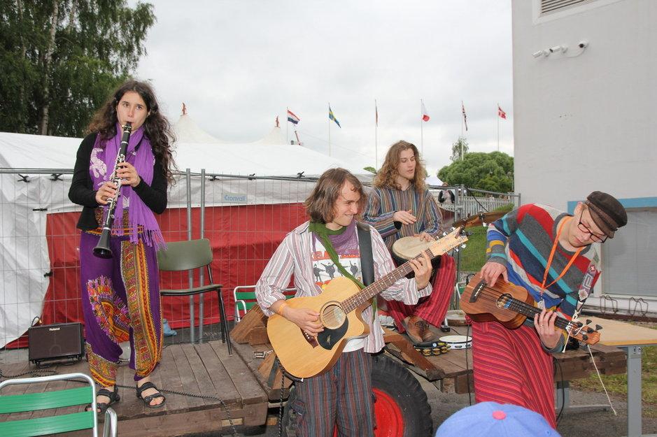 Fair trade oli Kaustisen musiikkijuhlien positiivimpia esiintyjiä.