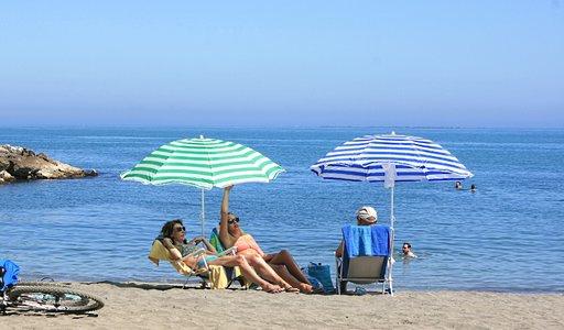 Viikonloppuna malagalaiset lähtevät Pedregalejon rannalle.