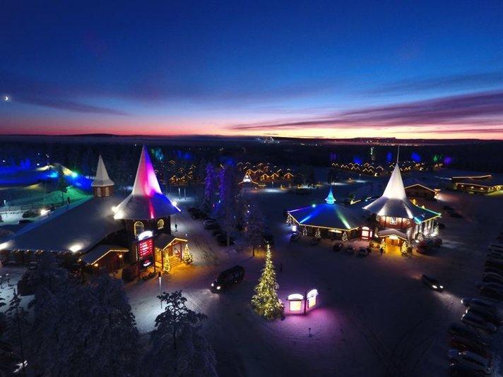 Joulupukin Lomakylään<br /> vieraat eri puolilta maailmaa