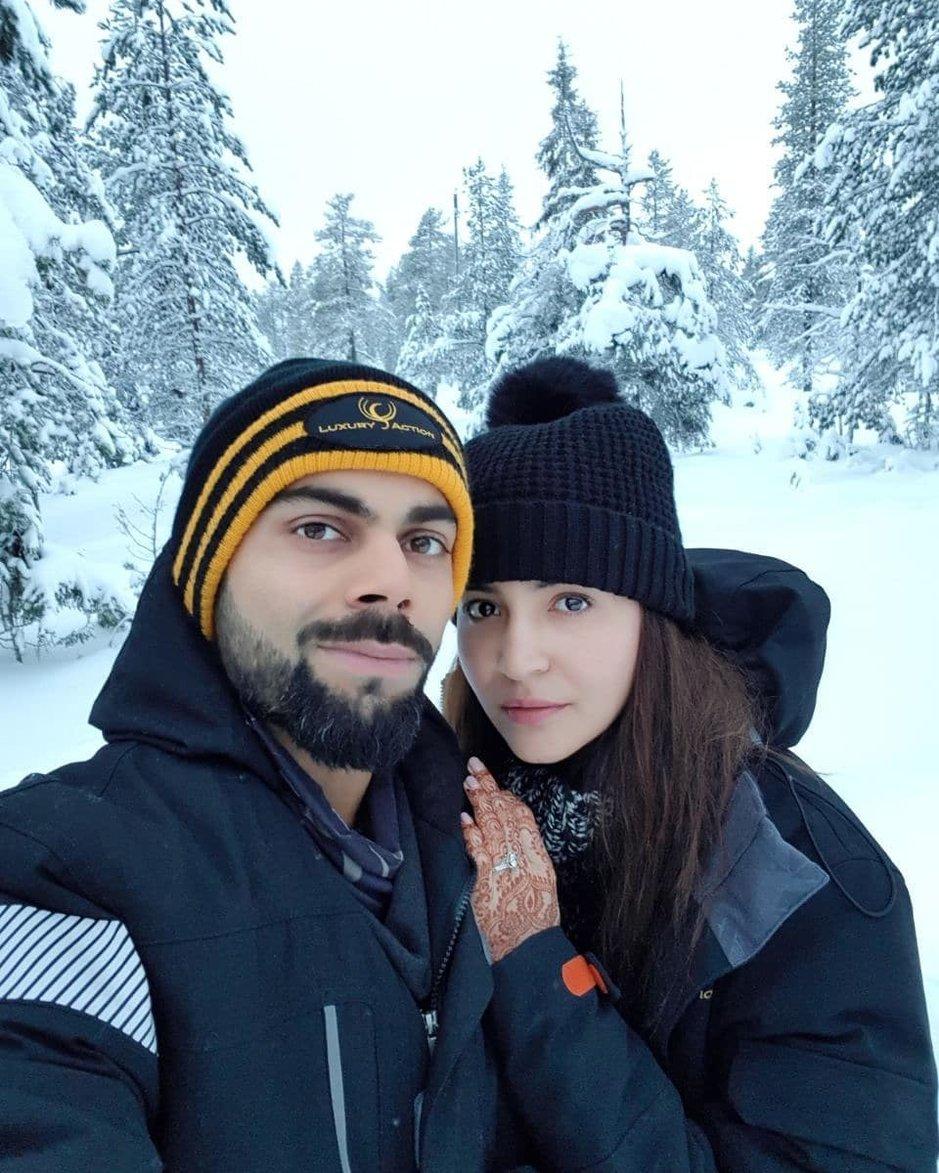 Krikettitähti Virat Kohli ja näyttelijä Anushka Sharma ovat häämatkalla Lapissa. Tänään he julkaisivat tämän kuvan Instagramissaan. - https://www.instagram.com/p/Bct1ME7ggio/
