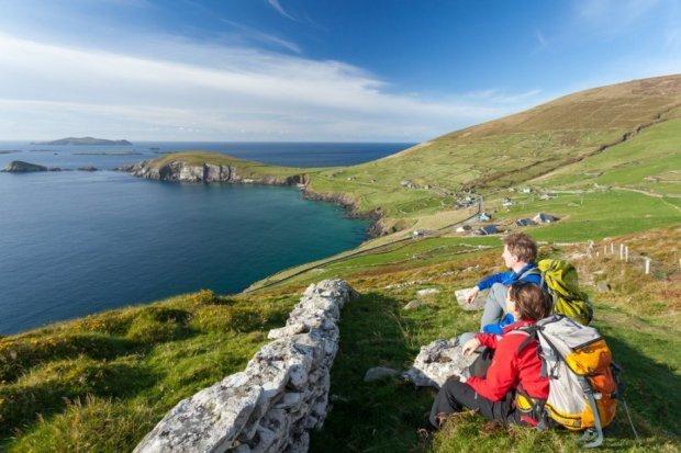 MATKAVINKKI: Seitsemän<br /> upeaa vaellusreittiä Irlannissa