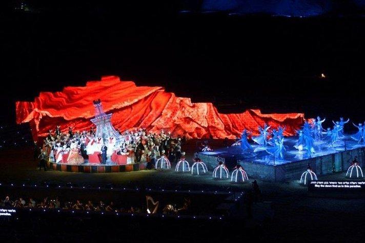 Tosca, Carmina Burana ja Lemmenjuoma Masadan ja Jerusalemin oopperajuhlilla kesäkuussa