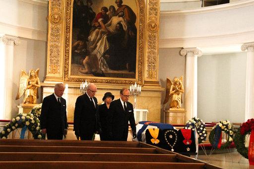 Presidentti Mauno Koiviston<br /> viimeinen matka kuvin