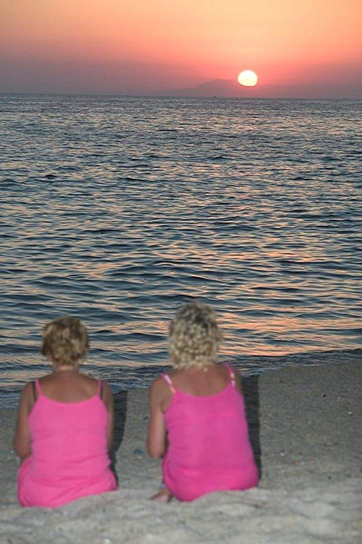 Suomalaiset käyttävät rahansa matkailuun – naiset innokkaimpia