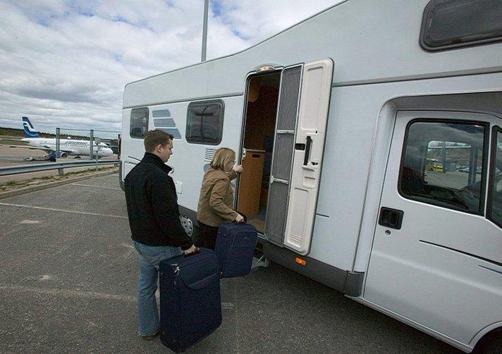 Matkailijat yllättyneitä, miten perussairauksia korvataan matkavakuutuksista Helsinki