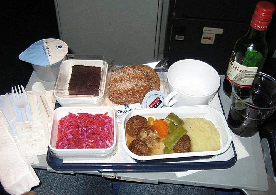 Vetoomus Finnairille: Tarjotkaa<br /> koneissa suomalaista ruokaa
