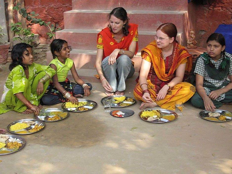 MATKATURVALLISUUS: Miten ulkomaille<br /> matkustava auttaja voi turvata olonsa?
