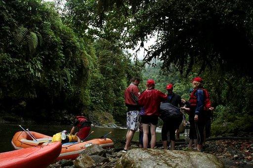 Koskenlaskuseikkailu<br /> Ecuadorin viidakossa