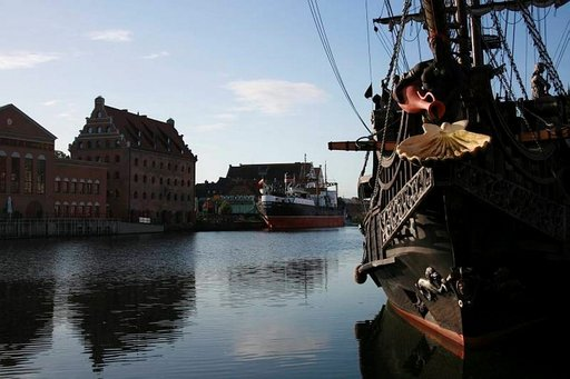 Motlawa virtaa Gdanskin läpi.