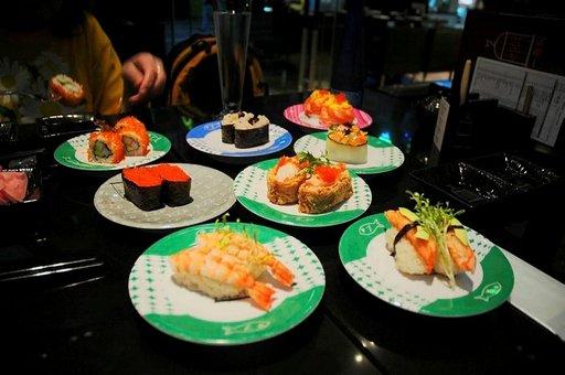 Myös Hongkongissa saa sushia monessa ravintolassa.