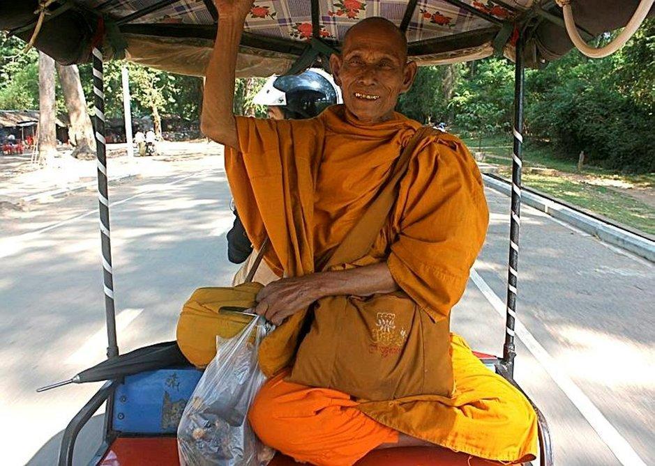 Kambodzan kansan uskonnollisuutta eivät sodat tai julmuudet ole vaimentaneet.