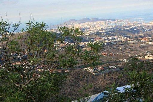 Las Palmas avautuu patikoijalle monesta suunnasta.