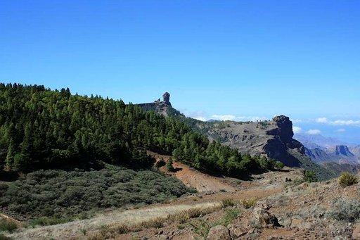 Gran Canarian symboli, Roque Nublo -kivi seisoo 1813 metriä meren yläpuolella.