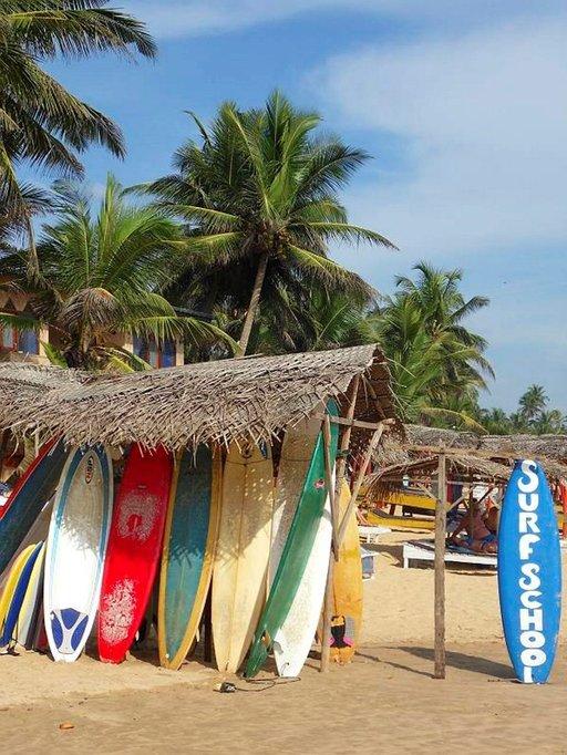 Surffilaudan saa päiväksi noin kahdeksalla eurolla, mutta hinta putoaa, jos muistaa tinkiä.
