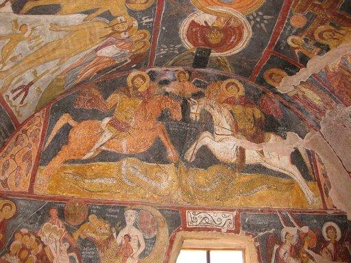 Alkukristillisten luolakirkkojen autenttiset freskot häkellyttävät.